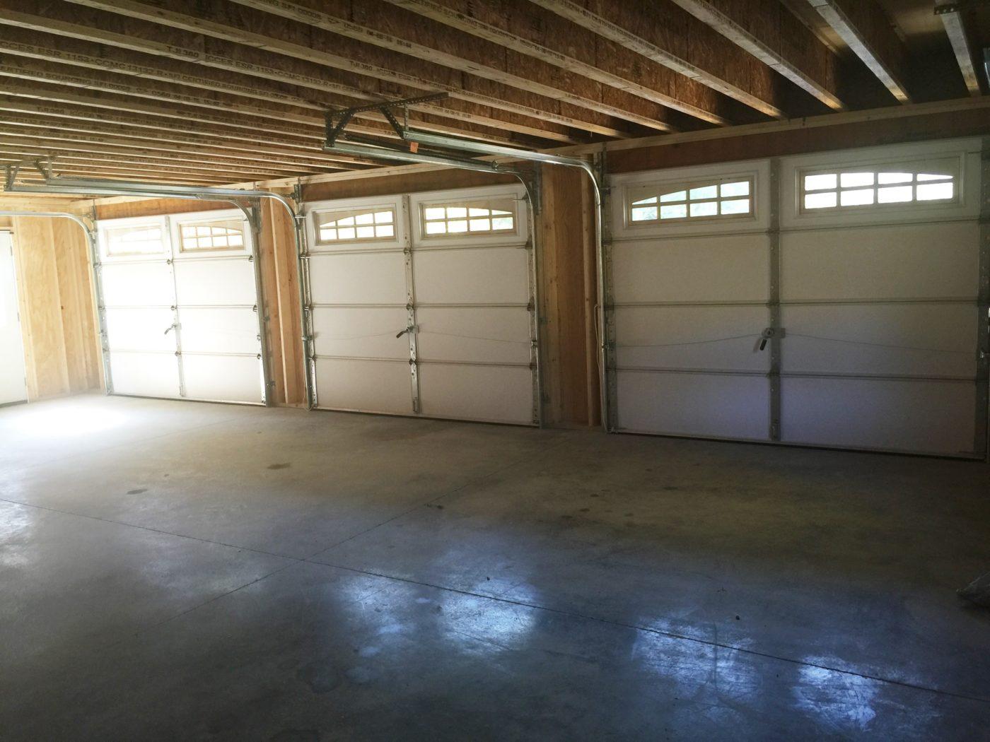 24x36 3 car garage inside 1400x1050