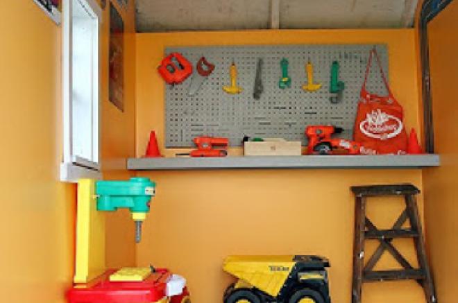 backyard playhouse for boys