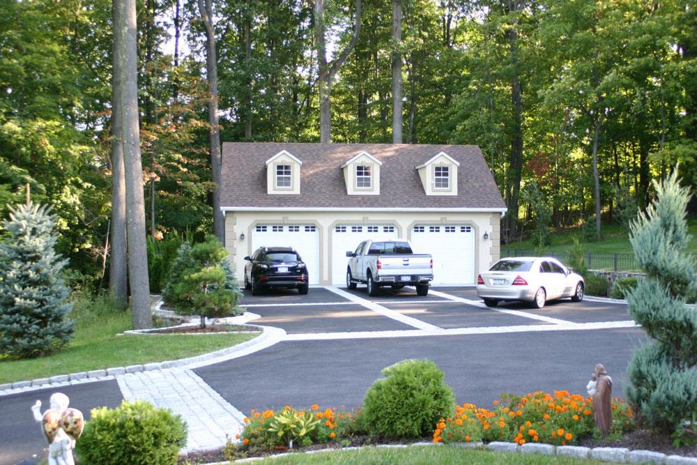 perfect sized three car garage 1
