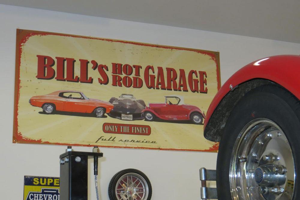 what size is a normal three car garage 0 0