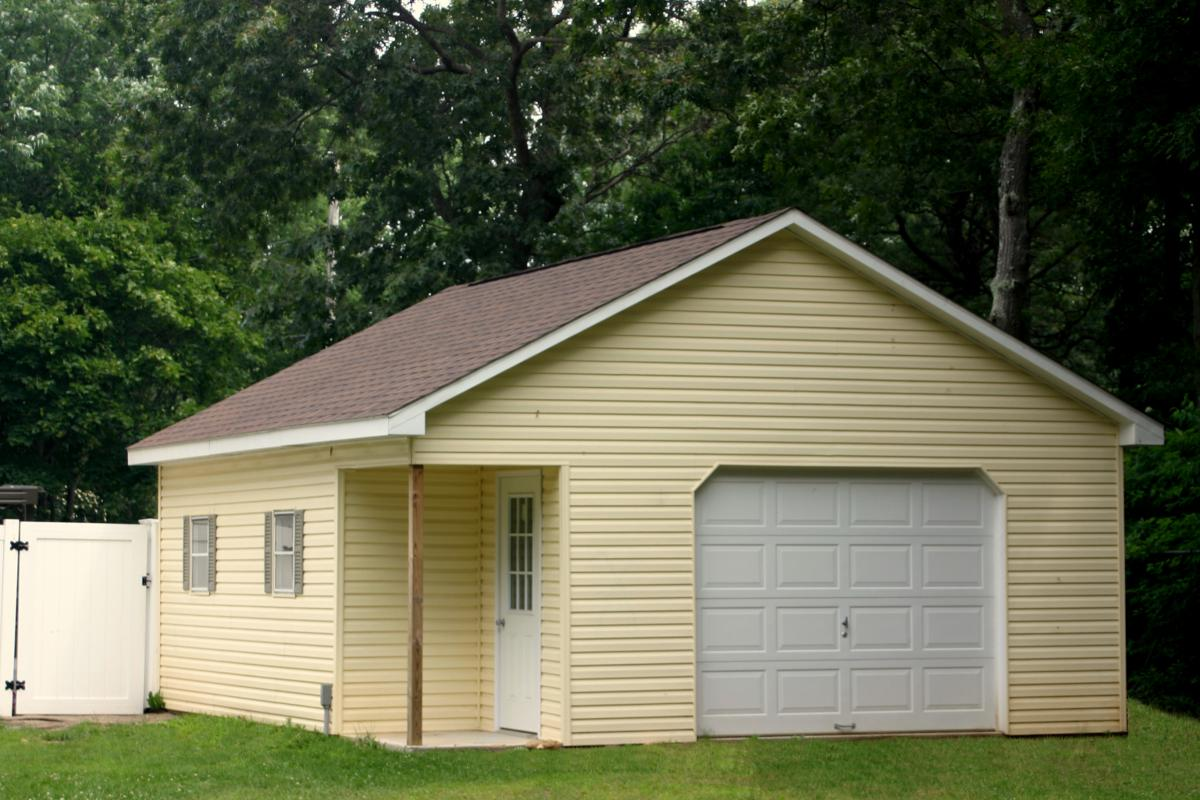 20x20 garage with porch