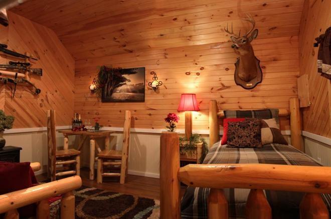 small cabin room de