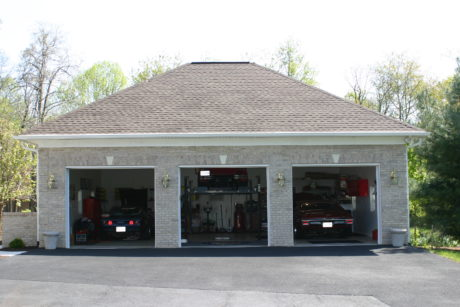 garages with lift space