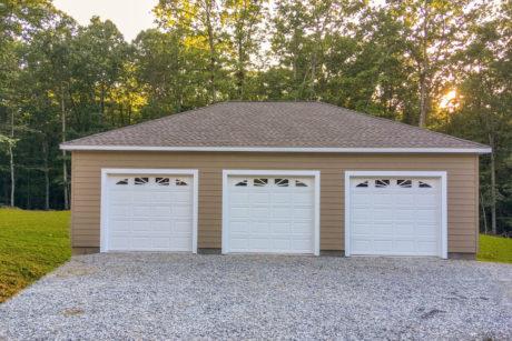 28x40 multiple car hip roof garage