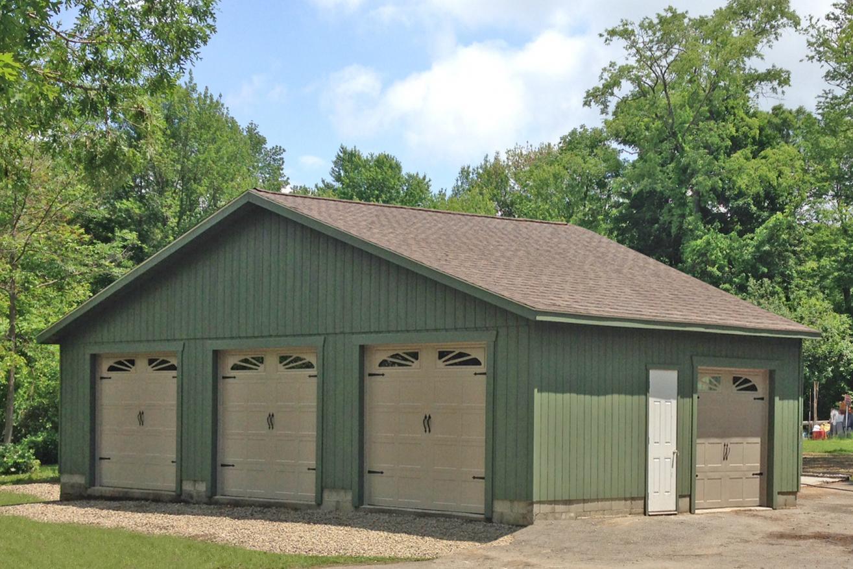 standard amish garages