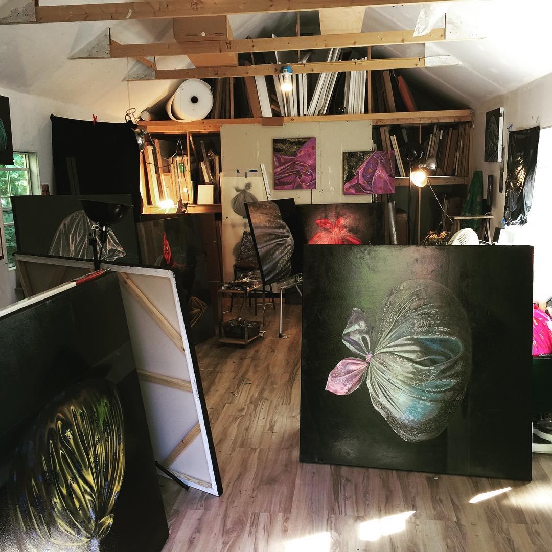 inside leeahjoo art studio shed