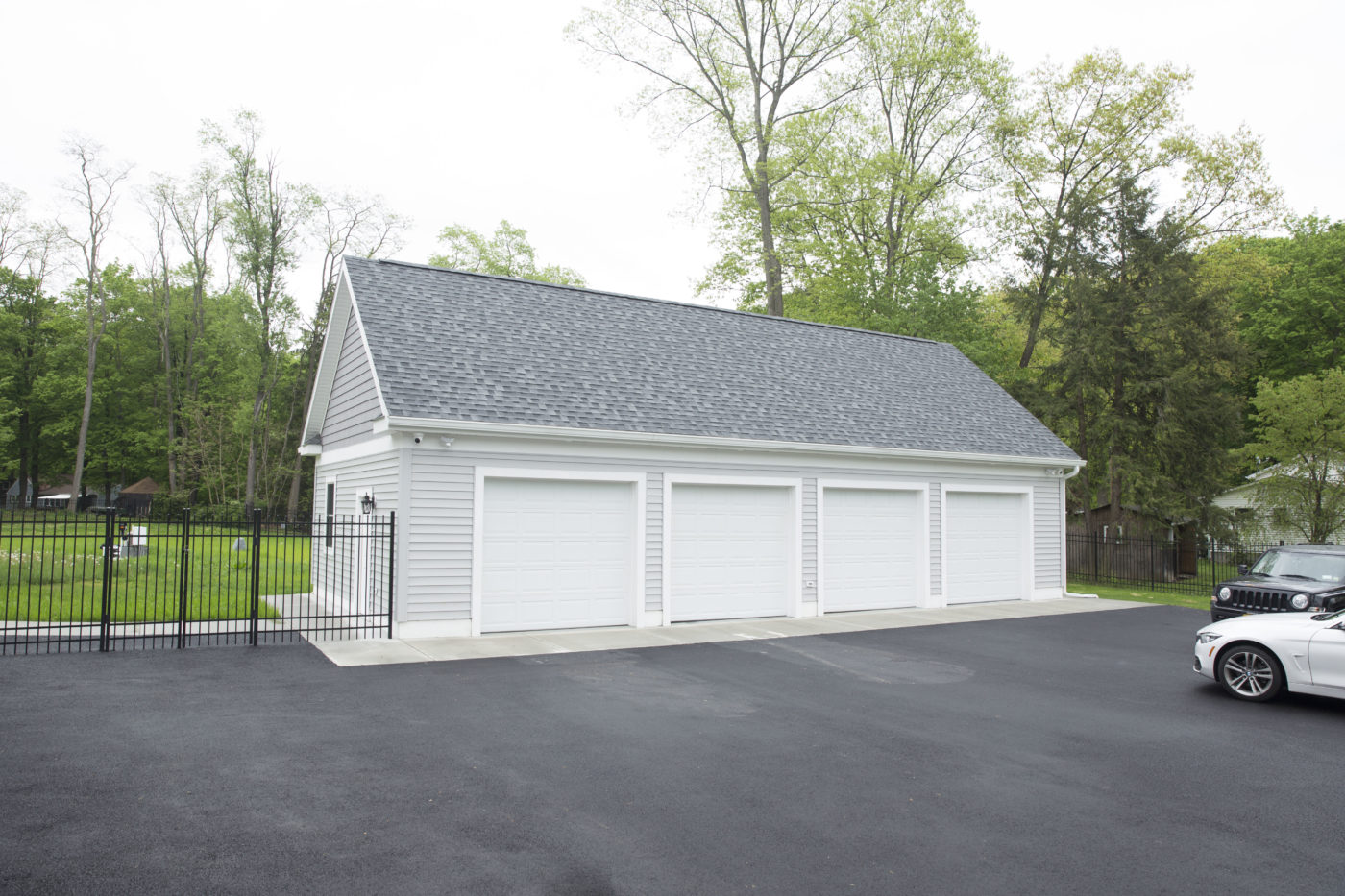 finished 24x50 4 car garage