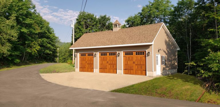 3 car detached garage