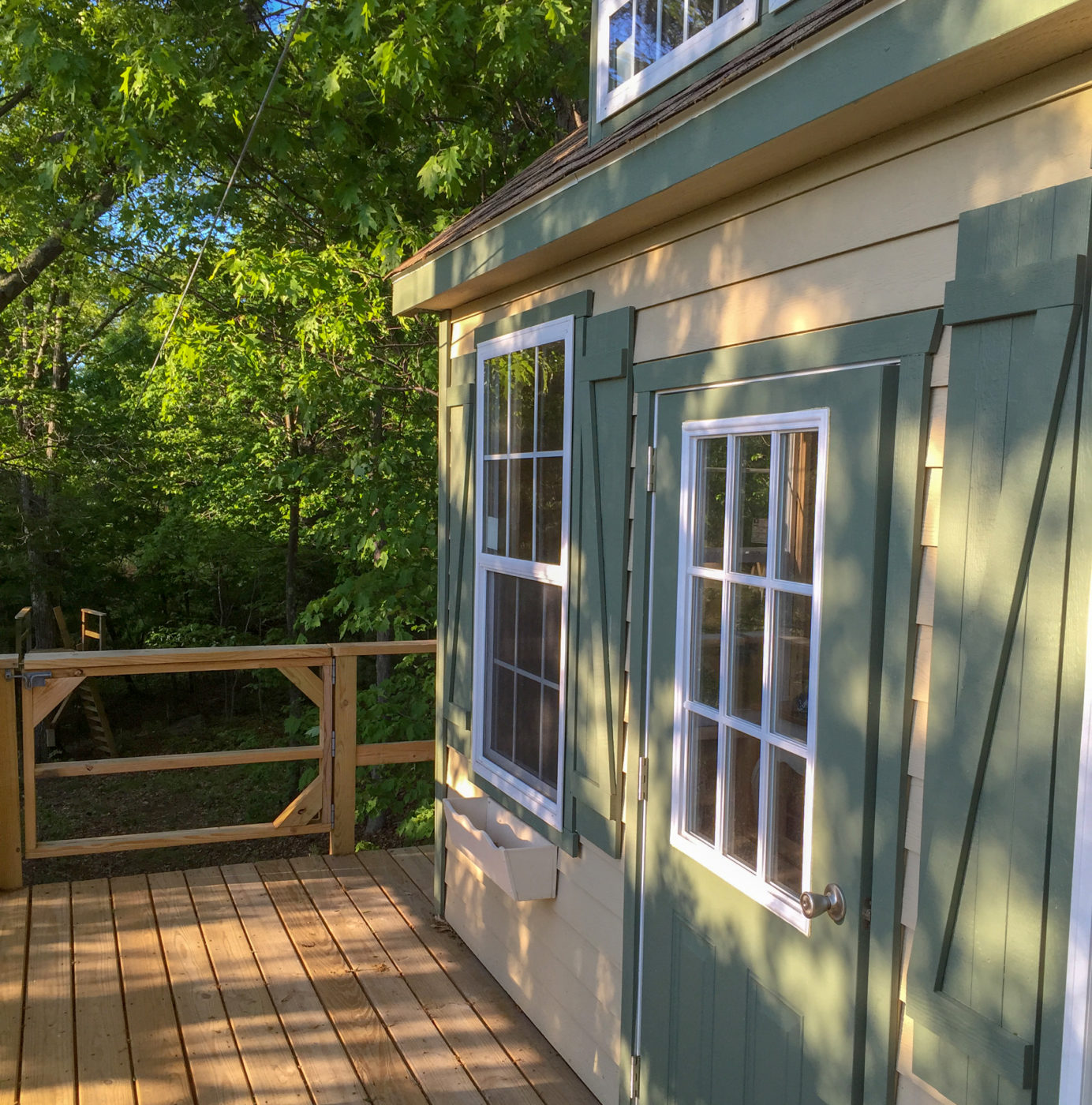 outside the treehouse shed for sale in pa,nj